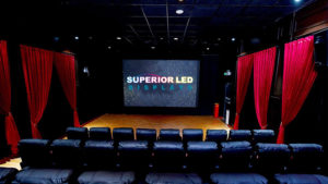 9 PHENOMENAL USES OF DIGITAL LED DISPLAYS IN THEATERS.