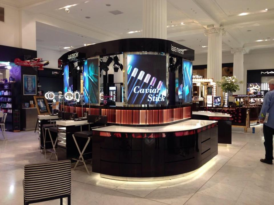 How Digital Signage Helps Boost Revenue